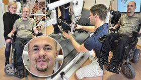 Voják Stanislav (35) uvažoval po ochrnutí o sebevraždě. Po 10 letech udělal první krok díky virtuální realitě