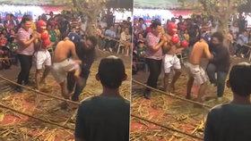 Rozhodčí dostal při thaiboxu do zubů: Bojovník si ho spletl se soupeřem