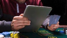Robot vítězil v pokeru, teď pracuje pro Pentagon. Vymýšlí vojenské strategie