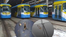 Ostravský typ tramvají vystřeluje kovový šrapnel: Může zabíjet! Tvrdí expert