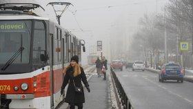 Deset milionů denně za MHD zdarma kvůli smogu. Vyplatí se to Praze?