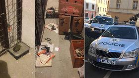 Policejní manévry v Praze 5: Střelné zbraně i granát se ukrývaly ve sklepě! Na místo musel pyrotechnik