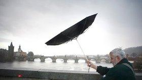 Prahu v pondělí »pocuchá« silný vítr! Jaké počasí bude po zbytek týdne?