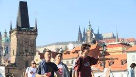 Prahu loni navštívilo 8 milionů turistů: Českých hostů přibylo