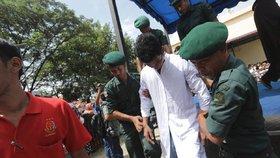 Svátek lásky se proměnil v peklo. Indonésie zatýkala páry, za mřížemi skončili i turisté