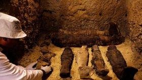 Egypt slaví unikátní nález: Hrobky skrývaly 40 mumií starých tisíce let