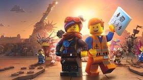 Terminátor, Stmívání, Bruce Willis… Lego příběh 2 je film pro dospělé