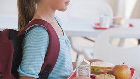 Obědy zdarma nebudou, shodlo se ANO s ČSSD. Ve školách vzrostou dotace