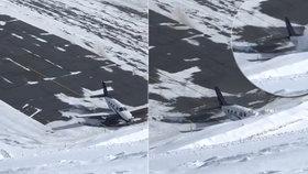 Děsivé záběry nehody letadla: Na namrzlé ranveji nedobrzdilo a skončilo v hoře sněhu