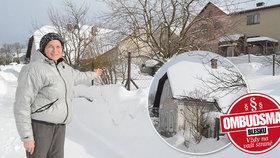 """Bývalá vědkyně (69): Soused mi obřím domem zastíní ten můj! Ombudsman Blesku:""""Nachytat"""" ho můžete na výšce"""