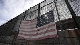 Trumpova zeď nebude fungovat, i kdyby se tyčila do vesmíru. Odborníci vysvětlili proč