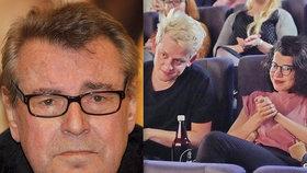 Má slabost pro blonďáky?! Vnučka Miloše Formana (†86) v kině s přítelem