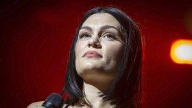 Do Prahy míří Jessie J, britská hvězda, která zpívala i pro královnu!