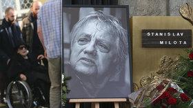 Pohřeb kameramana Stanislava Miloty (†85): Manželka Chramostová v utajení! Havlová s karafiáty se vzkazem