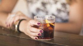 Milujete Coca-Colu? Můžete ji skvěle využít i při úklidu!