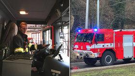 """Pražští hasiči mají nedostatek řidičů. """"Do budoucna to vidíme jako velký problém,"""" říkají"""
