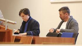 Češi jsou s prací soudů spíš nespokojeni, stoupenci SPD a KSČM chtějí rázné změny
