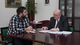 Ministr Toman o tažení proti tyranům z množíren: Máte doma tři fenky? Hlašte je