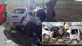 Smrtelná nehoda na Berounsku: Řidič nepřežil náraz do stromu