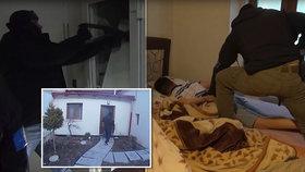 Policie pozatýkala otrokáře: Vykořisťovali cizince dlouhou prací i sexem!