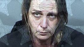 Žena málem zavraždila svého partnera: Střelila ho, protože hlasitě chrápal