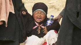 Děti džihádistů zůstanou ve zbídačené Sýrii. Převoz by byl nebezpečný, tvrdí ministerstvo
