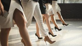 Nebezpečný dress code: Na sexy podpatky zapomeňte, varují čeští lékaři! Kolik centimetrů neublíží?