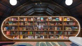 Nevyužitý prostor zaplnila kreativní knihovna pro děti bez domova