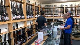 Nový Zéland vydal po masakru v mešitách stopku útočným zbraním. Od majitelů je vykoupí
