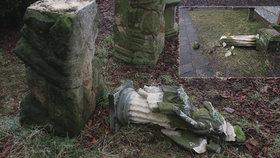 Apokalypsa na hřbitově: Dva mladíci (17 a 18) na Jičínsku demolovali náhrobky i sochy!