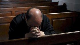 """""""Nevěděla jsem, co je sex."""" Česká církev tutlala zneužívání, tvrdí investigativci"""