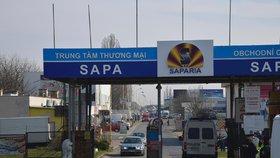 Další průšvih v tržnici Sapa: Razie odhalila maso, ryby i vejce neznámého původu