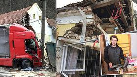 Vlna solidarity: Kamion zrušil rodině dům, radnice vyhlásila sbírku
