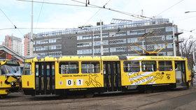 """Děsivé statistiky DPP: Loni tramvaj srazila 3, předloni 8 lidí. Zabrala kampaň """"Neskákej mi pod kola""""?"""