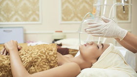 Kyslíková terapie proti stresu, únavě a nespavosti. Kde ji vyzkoušíte? Tipy z celé ČR
