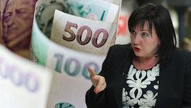 Stát je v miliardovém minusu. Schillerové úřad viní vyšší důchody i platy učitelů