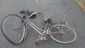 Smrt na silnici v Praze: Cyklistka nepřežila srážku s autobusem