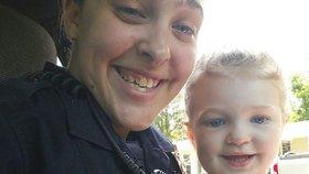 Policistka si to rozdávala s nadřízeným, její dcera (†3) mezitím umírala v autě. Dostala tvrdý trest!