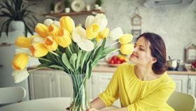 Květiny ve váze vydrží opravdu dlouho, stačí tyhle osvědčené triky!