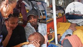 Nechtění migranti jako horký brambor: Loď odmítla Itálie i Malta, zakotví v Hamburku?