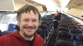 Jako král! Muž byl jediným pasažérem obřího Boeingu 737, staralo se o něj 5 letušek