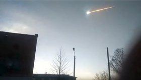 Panika a obavy z UFO: Masivní exploze meteoritu vyděsila město na Sibiři