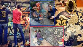 Čmáranice mění v umělecký skvost ze starých kachliček. Díla skupiny Free Mozaik objevíte hlavně v Praze 10