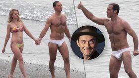 Herec Jude Law se předvedl v titěrných plavečkách! Dámy, kochejte se