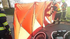 Dodávka smetla na Kutnohorsku motorku: Dva lidé zemřeli