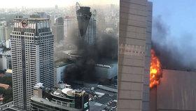 Smrtící požár hotelu v dovolenkovém ráji: Muž vyskočil z okna a řítil se k zemi!