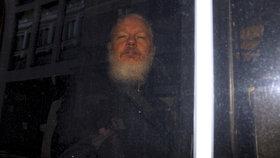 Z ambasády udělal špionské centrum. Ekvádor prozradil, proč přišel zakladatel WikiLeaks o azyl