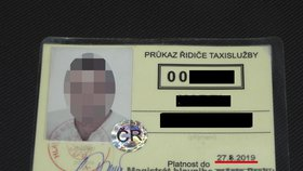 Taxikář si prodloužil platnost svého oprávnění. Stačil mu k tomu fix