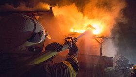 Hasiči při požáru našli mrtvolu! Případ vyšetřuje královéhradecká policie