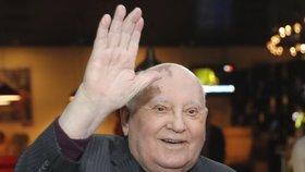 Gorbačov se bojí po ukončení smlouvy o raketách o osud světa. Z nezdaru viní USA